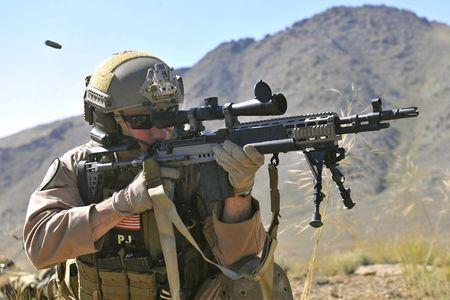 Mk 14 EBR sung truong ban tia yeu thich cua TQLC My - Anh 4