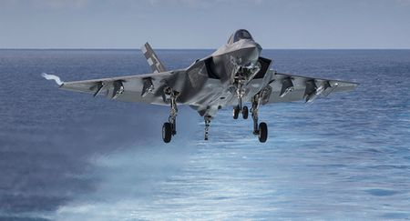 Hai quan Anh trien khai F-35 cho tau san bay moi nhat - Anh 7