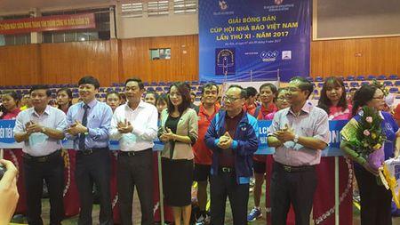 164 van dong vien tham du Giai Bong ban Cup Hoi Nha bao Viet Nam lan thu XI - nam 2017 - Anh 1