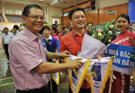 Khai mac Giai Bong ban Cup Hoi Nha bao Viet Nam lan thu XI – nam 2017 - Anh 9