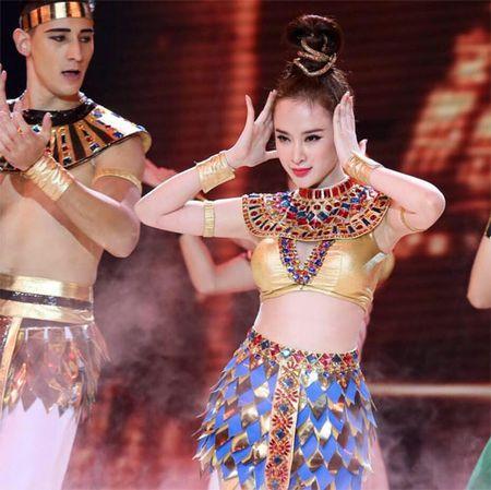 Nhan sac thay doi bat thuong do dao keo qua da cua Angela Phuong Trinh - Anh 12
