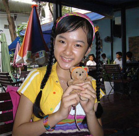 Nhan sac thay doi bat thuong do dao keo qua da cua Angela Phuong Trinh - Anh 1