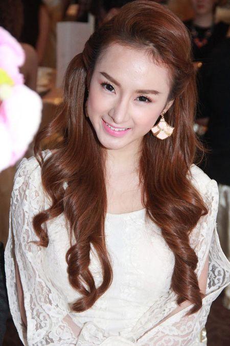Nhan sac thay doi bat thuong do dao keo qua da cua Angela Phuong Trinh - Anh 6