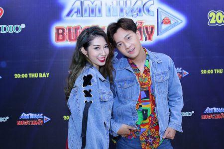 Nhung cap doi duoc fan 'hong' dam cuoi nhat showbiz Viet - Anh 10