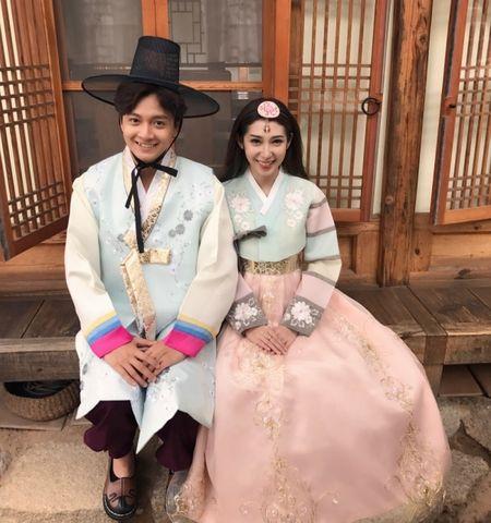 Nhung cap doi duoc fan 'hong' dam cuoi nhat showbiz Viet - Anh 12