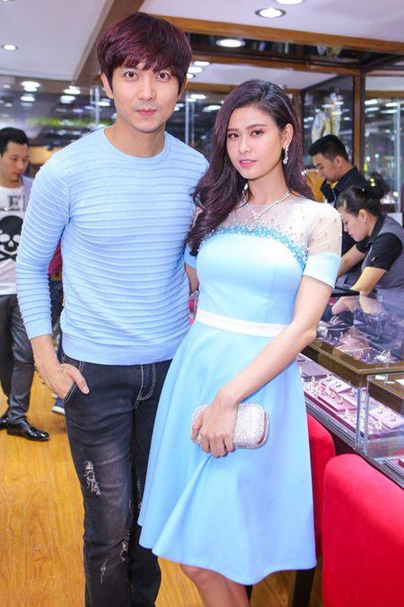 Nhung cap doi duoc fan 'hong' dam cuoi nhat showbiz Viet - Anh 23
