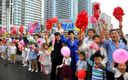 Trieu Tien ban phao hoa mung vu thu hat nhan lan 6 - Anh 9