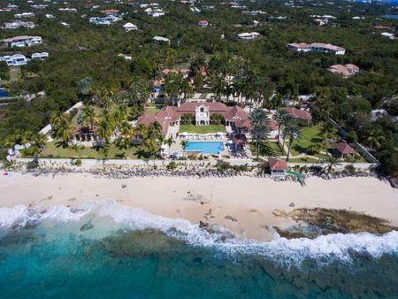 Hang loat biet thu cua ong Donald Trump 'hung' bao Irma? - Anh 1