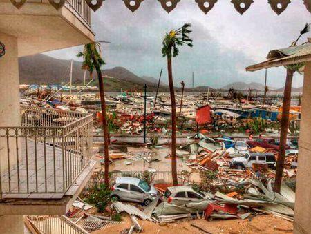 Hang loat biet thu cua ong Donald Trump 'hung' bao Irma? - Anh 2