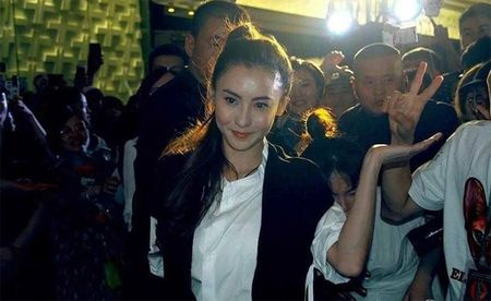 Ba Chi lan dau tiet lo ve Ta Dinh Phong: '10 nam khong mot lan chia se cam xuc voi vo' - Anh 1