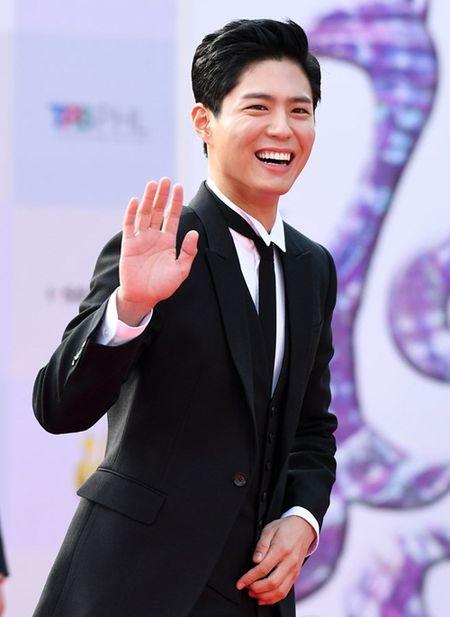 Chang can ho, Park Bo Young van noi bat tren tham do - Anh 4