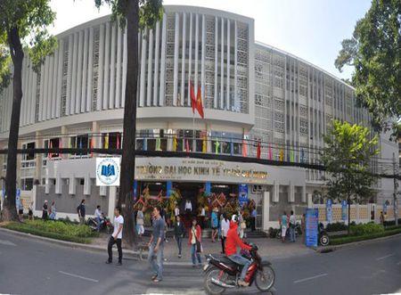 Ai ban thong tin cua tan cu nhan Truong Dai hoc Kinh te Thanh pho Ho Chi Minh? - Anh 1