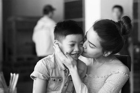 Sao Viet 24h: Ho Ngoc Ha tu hao vi con trai biet dieu, song tinh cam - Anh 1