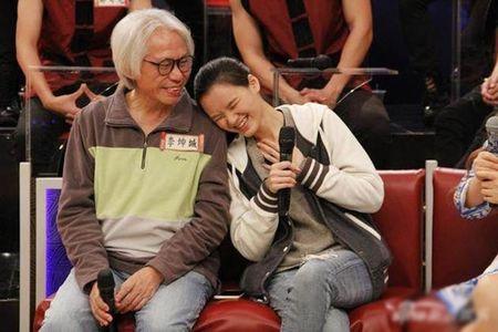 "Cap doi ong - chau Dai Loan dang anh tinh cam sau 9 thang mat tich tiep tuc ""gay bao"" - Anh 4"