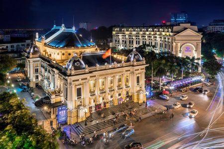 Thu 400.000 dong mot luot tham quan Nha hat lon Ha Noi - Anh 1