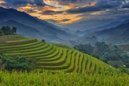 Viet Nam lot top 20 quoc gia xinh dep nhat hanh tinh - Anh 1