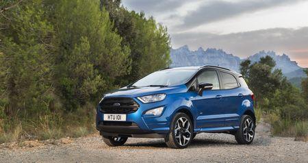 Ford EcoSport 2018 sap co them ban may dau - Anh 1