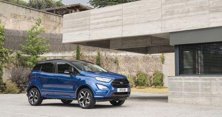 Ford EcoSport 2018 sap co them ban may dau - Anh 2