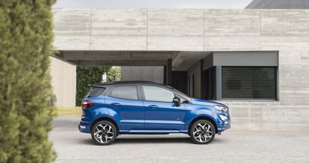 Ford EcoSport 2018 sap co them ban may dau - Anh 3