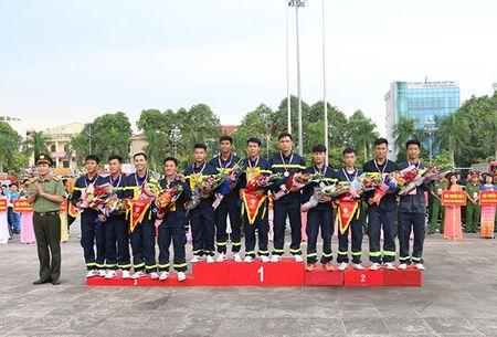 Khai mac Hoi thi the thao nghiep vu cuu nan cuu ho Cum Thi dua so 7 - Anh 6