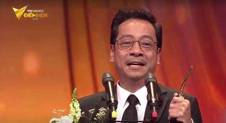 Nguoi phan xu 'vuot mat' Song chung voi me chong o VTV Awards 2017 - Anh 2
