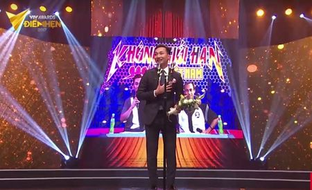 Nguoi phan xu 'vuot mat' Song chung voi me chong o VTV Awards 2017 - Anh 4