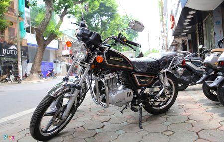 Suzuki GN125-2F 2017: Mau con tay co dien dau tien ve Ha Noi - Anh 2
