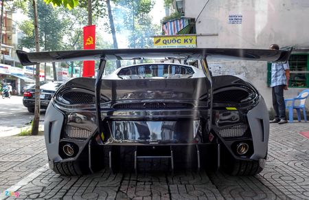 Sieu xe cu McLaren 570S cua Cuong Do La 'lot xac' an tuong nho goi do hang hieu - Anh 4