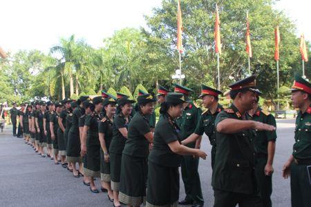 Doan Van cong Quan doi Lao bieu dien o Su doan 324 - Anh 2