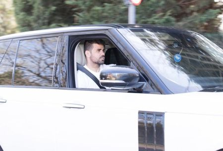 HLV Conte hanh xu day 'tre con' voi Diego Costa - Anh 1