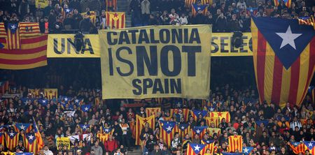 Nghi vien Catalan thong qua viec bo phieu doi ly khai, cho phan ung tu Madrid - Anh 3