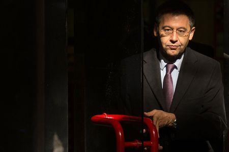 De mat Neymar, chu tich Barca van tuyen bo do la diem lanh - Anh 3