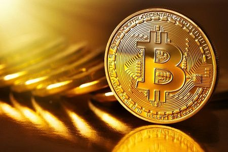 Hang khai thac Bitcoin lon nhat duoc dinh gia 75 ty USD - Anh 1