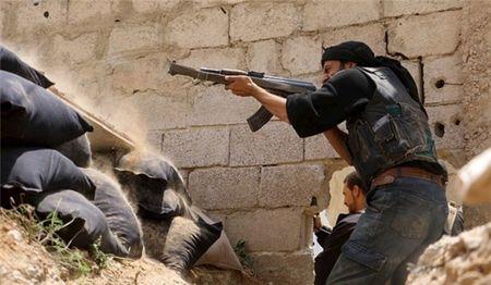 Dot kich can cu quan doi Syria, IS khon don vi that bai lien tiep o Dong Hama - Anh 1