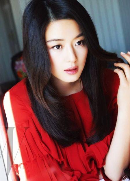 Nhan sac khong tuoi cua 'Co nang ngo ngao' qua 20 nam - Anh 10