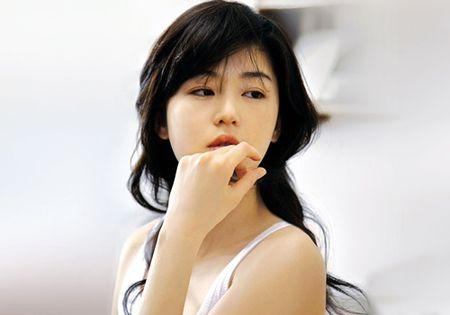 Nhan sac khong tuoi cua 'Co nang ngo ngao' qua 20 nam - Anh 2