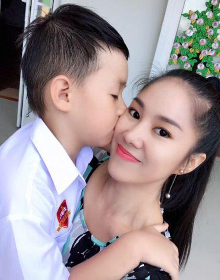 Ba xa Tuan Hung ben 2 con, Tang Thanh Ha khoe anh gia dinh binh di - Anh 7