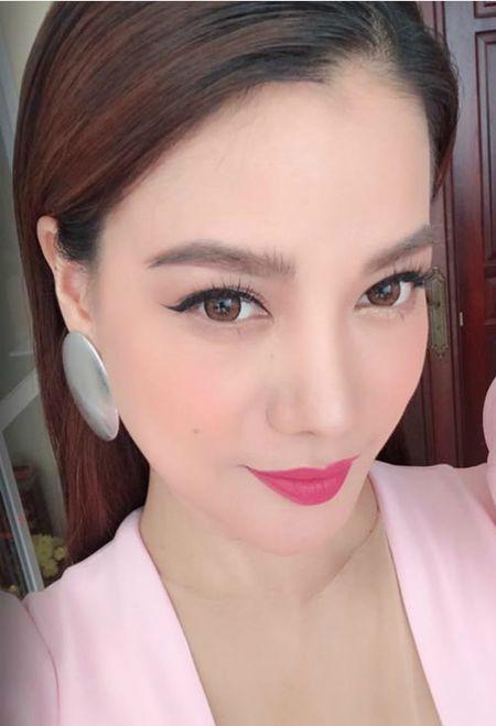Ba xa Tuan Hung ben 2 con, Tang Thanh Ha khoe anh gia dinh binh di - Anh 8