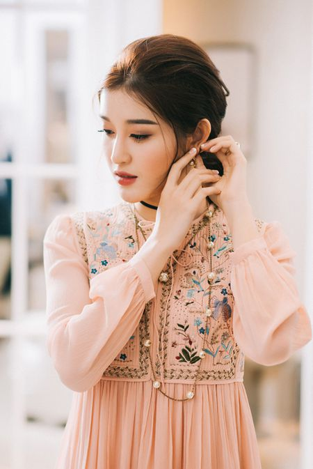 Huyen My manh tay mua do hieu thi Hoa hau Hoa binh The gioi 2017 - Anh 3