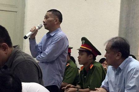 Nguyen Pho tong giam doc PVN bat ngo khai nhan hang chuc ti - Anh 1