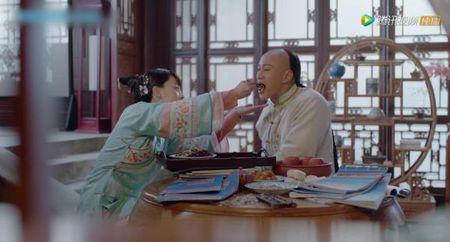 'Nam ay hoa no': Khan gia khoc het nuoc mat nhin Ton Le doi tang trong dam ma Ha Nhuan Dong - Anh 4