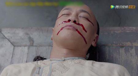 'Nam ay hoa no': Khan gia khoc het nuoc mat nhin Ton Le doi tang trong dam ma Ha Nhuan Dong - Anh 5