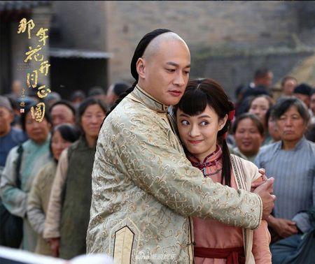 'Nam ay hoa no': Khan gia khoc het nuoc mat nhin Ton Le doi tang trong dam ma Ha Nhuan Dong - Anh 7