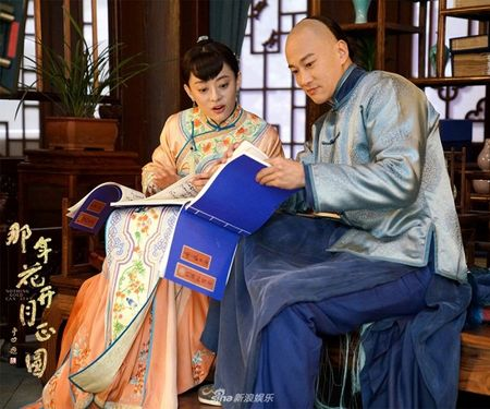'Nam ay hoa no': Khan gia khoc het nuoc mat nhin Ton Le doi tang trong dam ma Ha Nhuan Dong - Anh 8