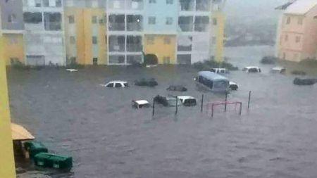 Sieu bao Irma can quet Caribbean, 3 nguoi thiet mang - Anh 2