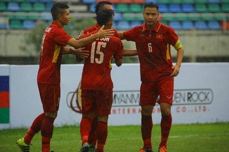 "Chien thang 8-1 cua U18 Viet Nam, HLV Hoang Anh Tuan ""ghi diem"" voi... Cong Phuong - Anh 1"