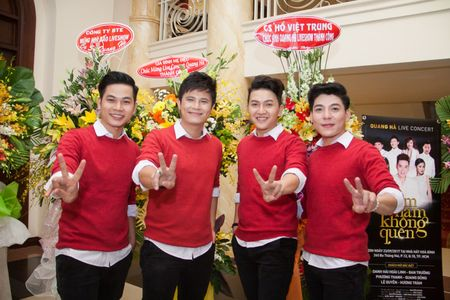 Nhom V-Music 'cham mat' May trang, Mat Ngoc va V-Music new - Anh 1