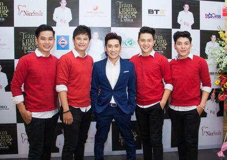 Nhom V-Music 'cham mat' May trang, Mat Ngoc va V-Music new - Anh 2