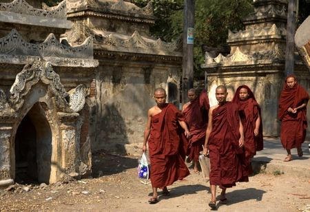 Kham pha Shwenandaw - tu vien bang go Teak - Anh 13