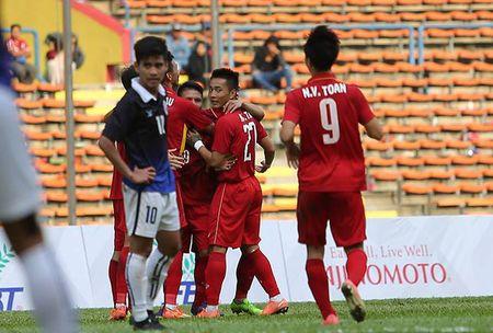 Tran U22 Viet Nam va U22 Campuchia dinh nghi an dan xep ty so tai SEA Games 29 - Anh 2